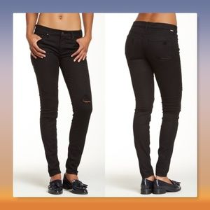 MOTHER 🎀 The Looker Frayed Ankle Skinny Jeans
